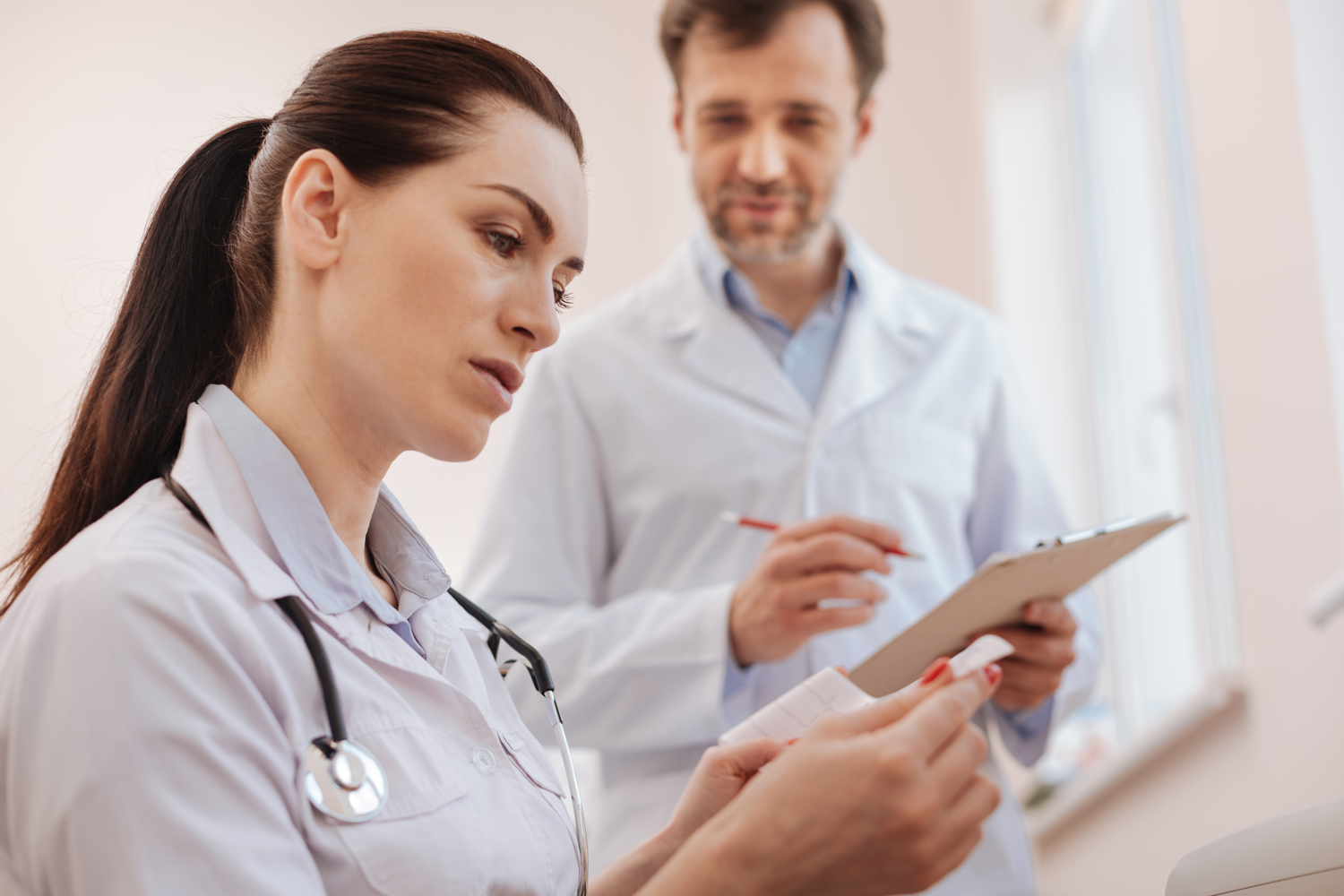 Tips for Finding Work As a New Nurse Practitioner Grad